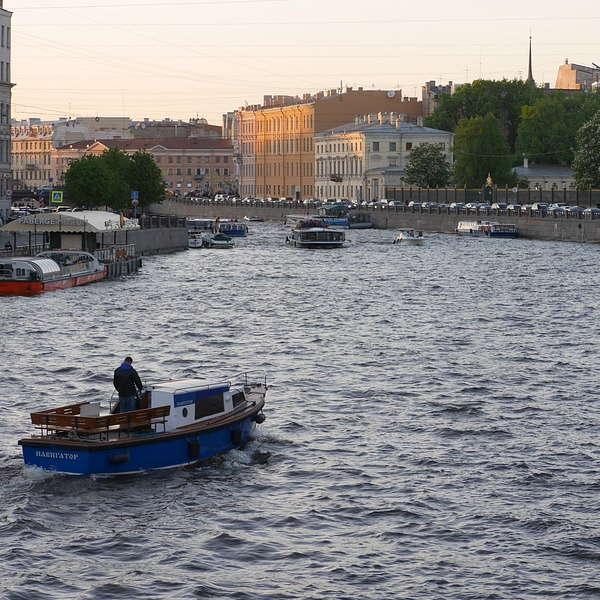Фонтанка – самая знаменитая река города