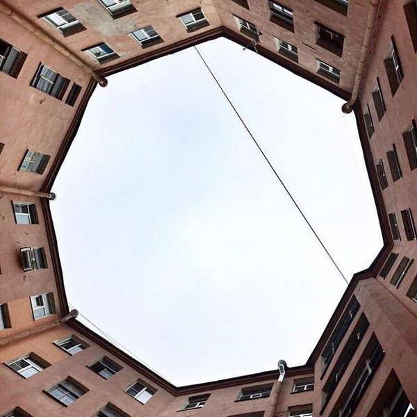 Двор восьмиугольник