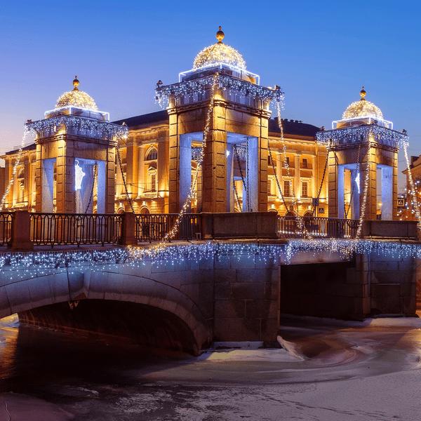 Мост ломоносова украсили в новый год