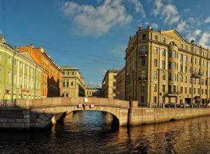 Краткая история Санкт-Петербурга от крепости до мегаполиса: через тернии к звёздам