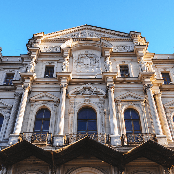 новомихайловский дворец построен по проекту архитектора
