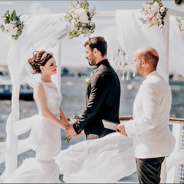 Регистрация брака в Петербурге на теплоходе