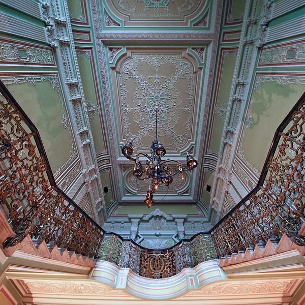 новомихайловский дворец на дворцовой набережной фото