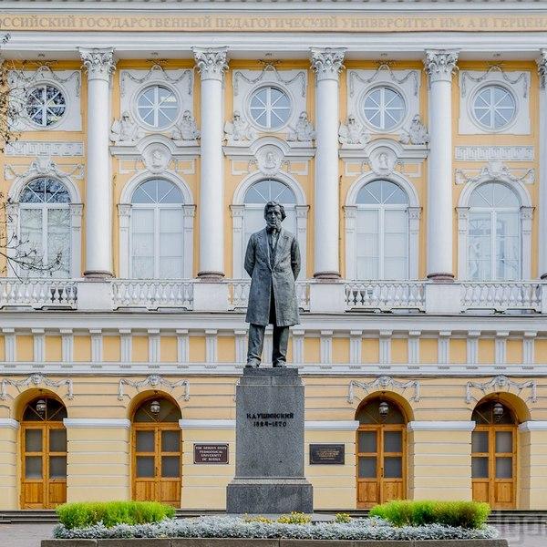дворец разумовского в санкт петербурге