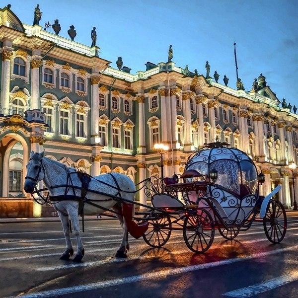Экскурсии по Петербургу на каретах