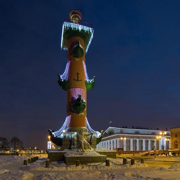 ростральные колонны фотография