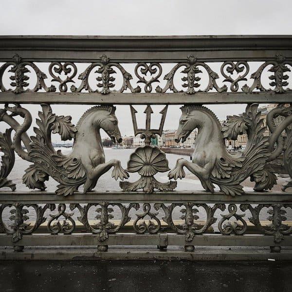 Фото: Решетка Благовещенского моста