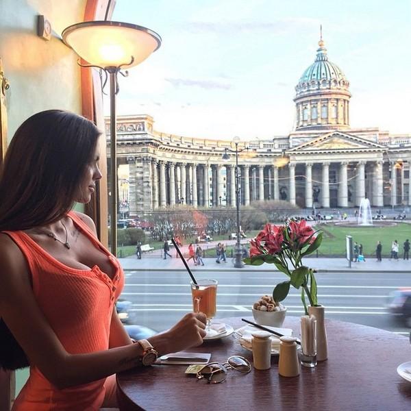 Работы в питере молодым девушкам работа в москве для парней моделей