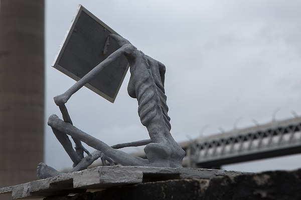 Солнечная анорексия - памятник о нехватке солнца в Санкт-Петербурге