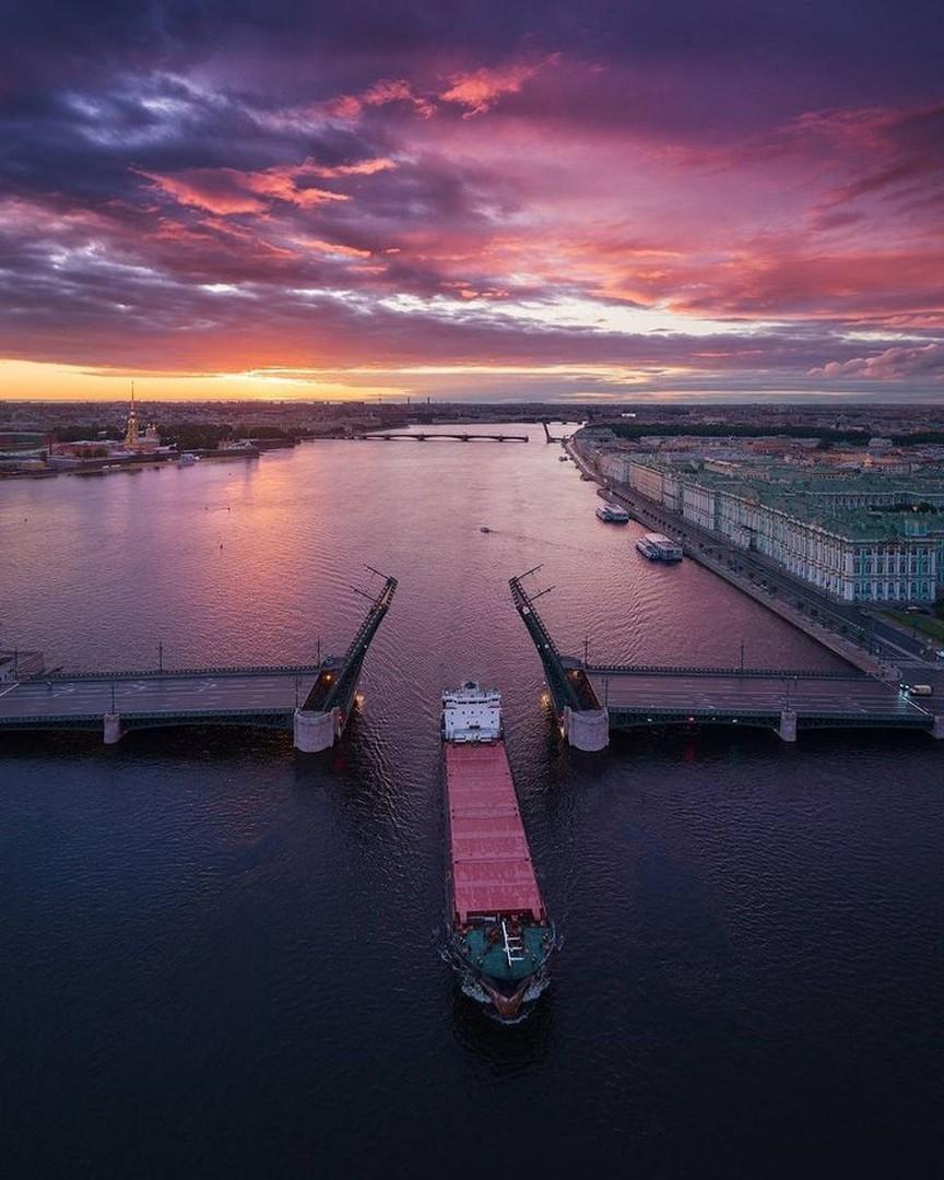 Красивый мост в Питере