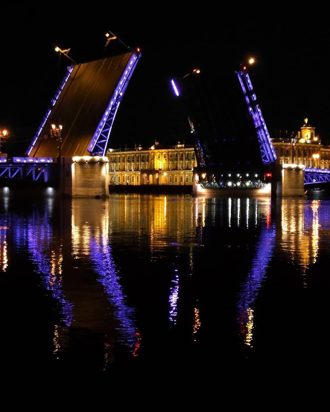 Разводной мост в СПб