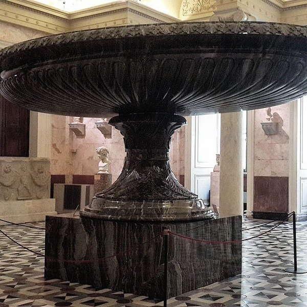 Большая Колыванская ваза в Эрмитаже - фото, описание