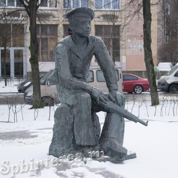 Памятник Балтийским юнгам в Санкт-Петербурге