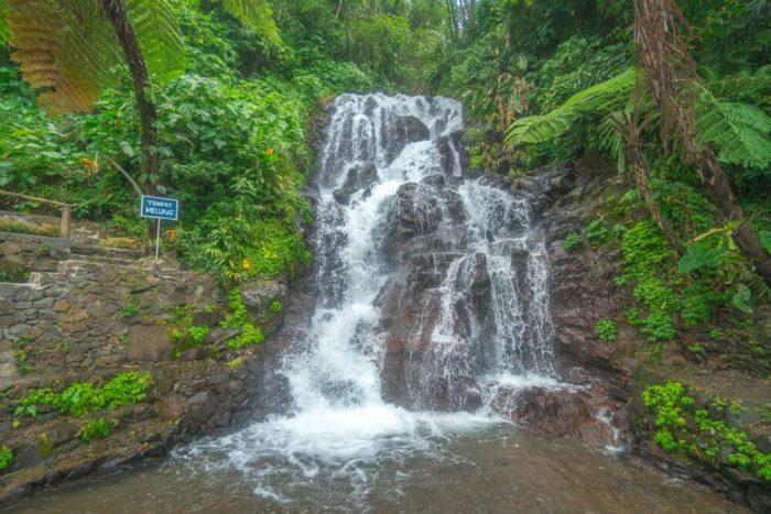 Водопад Джембонг бали