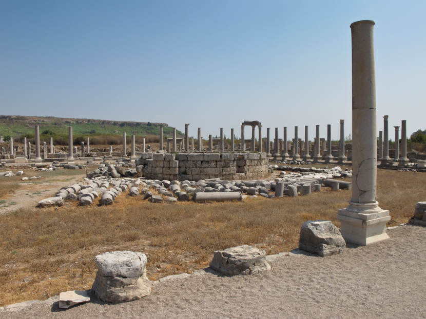 Колонны в Перге