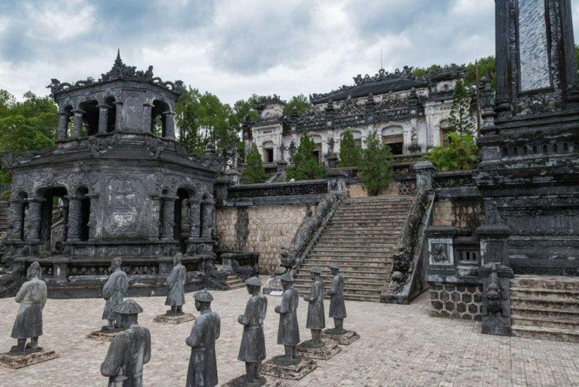 Гробница Кхай Диня Нячанг