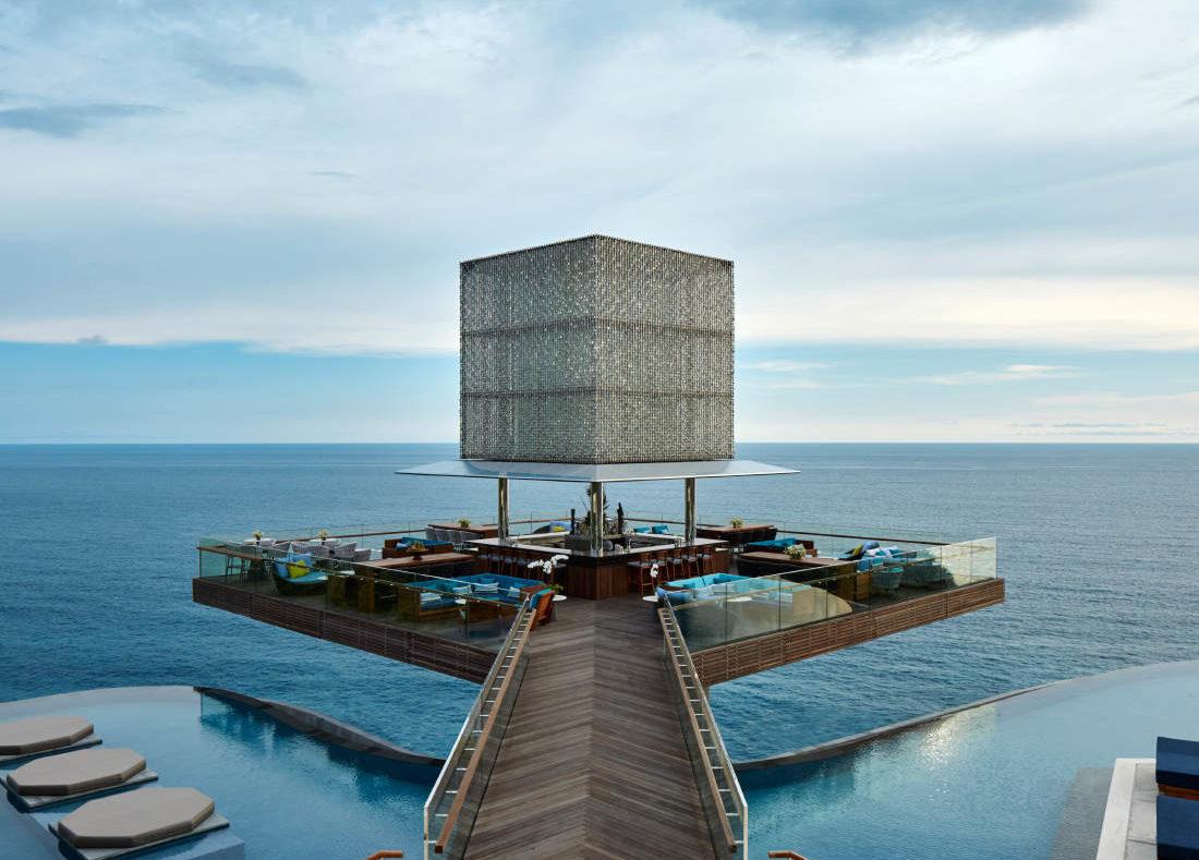 Красивый ресторан на Бали