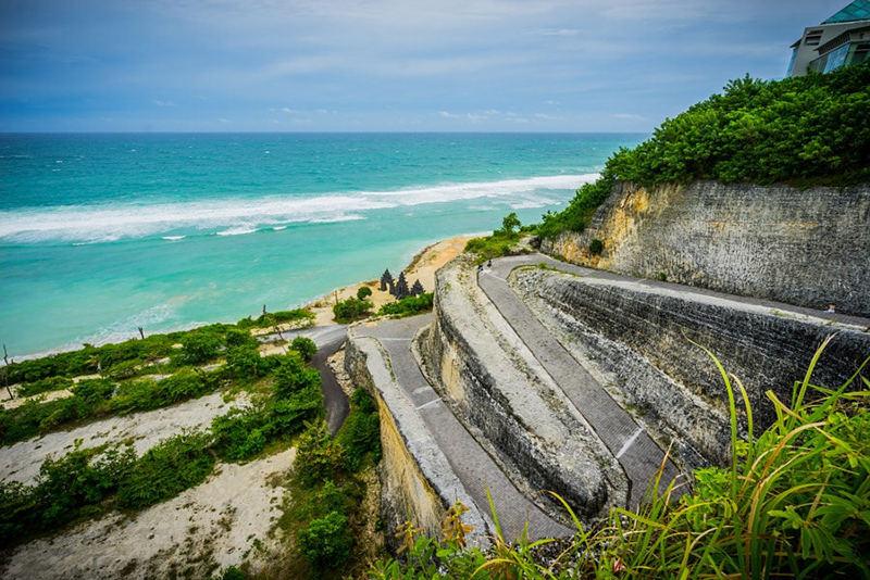 Дорога на пляж на Бали