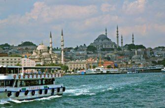 По Стамбулу на катере