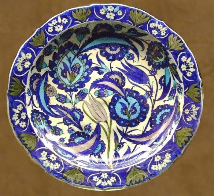 Ручная роспись керамики из Изника
