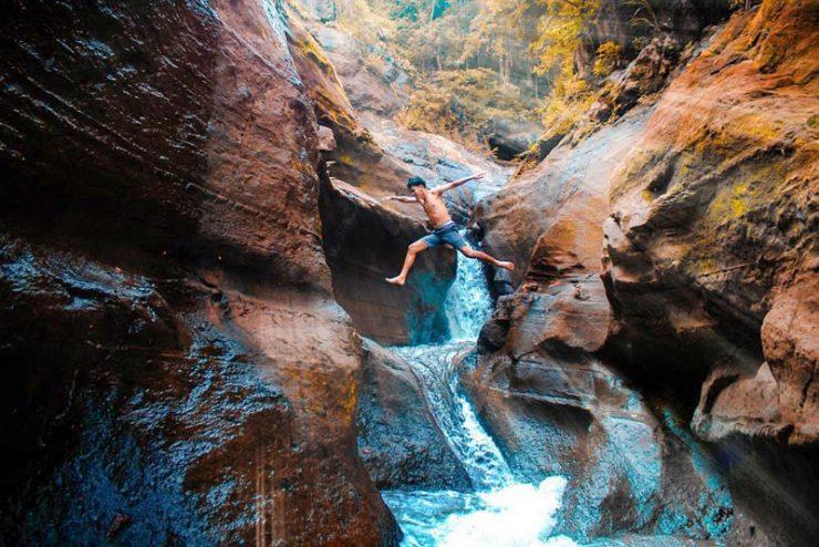 Водопад Герокгак