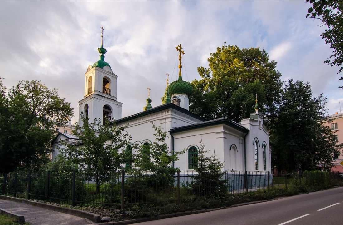 Ансамбль Вознесенской церкви и храма Сретения Господня