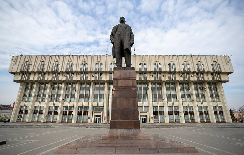 Памятник Владимиру Ленину