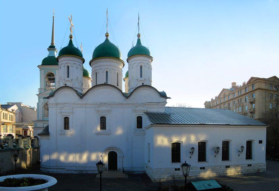 Троицкая церковь в листах