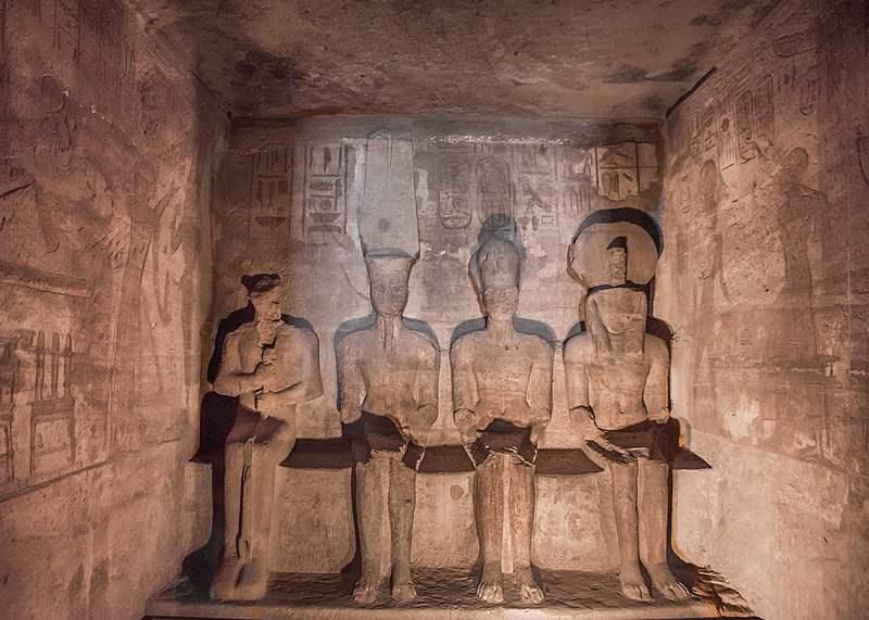 Статуи Большой храм