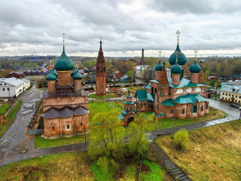 Церковный ансамбль в Коровниках