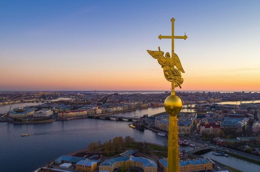 Ангел над Петропавловской крепостью