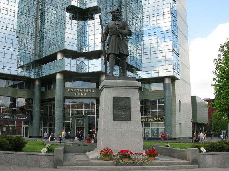 Памятник гвардейцу Семеновского полка