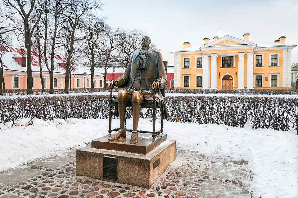Статуя Петра Великого