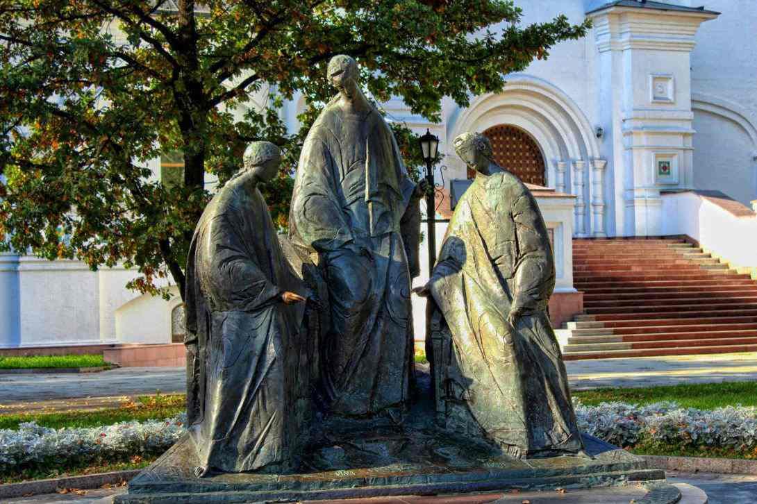 Скульптура Святой Троицы