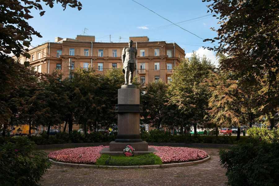 Памятник Леониду Говорову