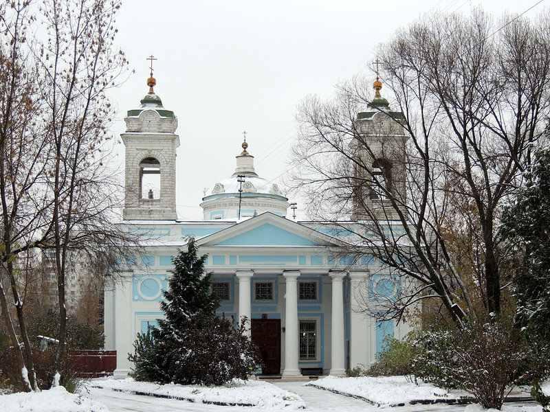 Церковь Святого Духа на бывшем Лазаревском кладбище