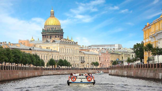 На катере по Петербургу