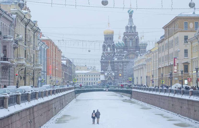 Каналы Петербурга зимой