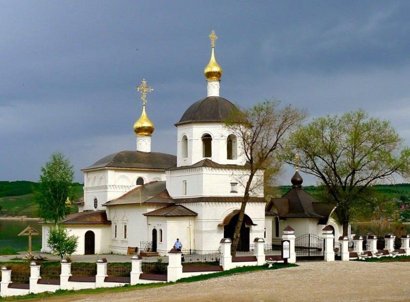 Церковь св. Константина и Елены
