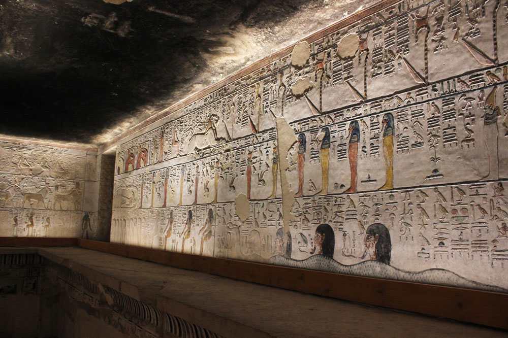 Гробница Сети I стены