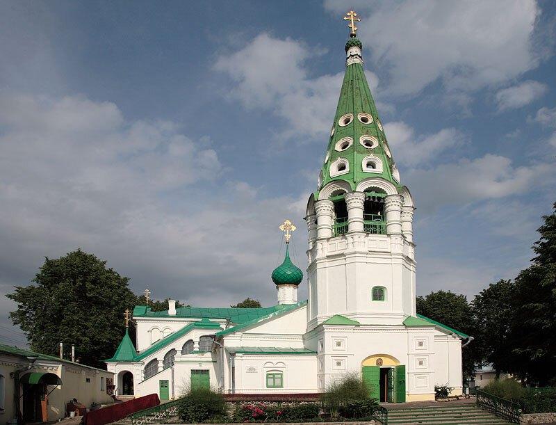 Церковный ансамбль в Толчкове