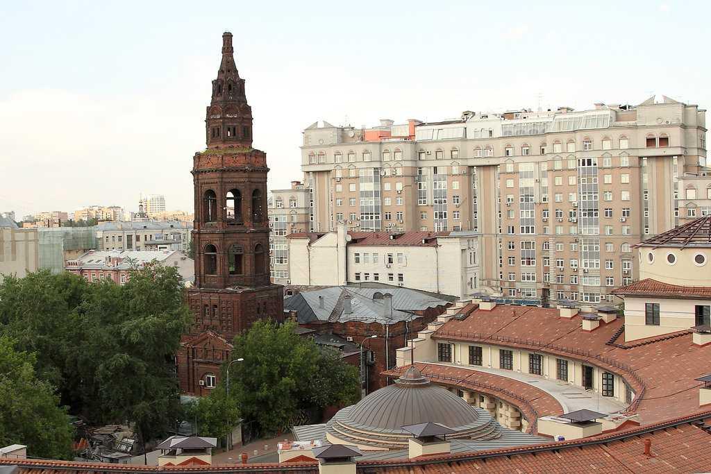 Колокольня Свято-Никольской церкви в Новой Слободе
