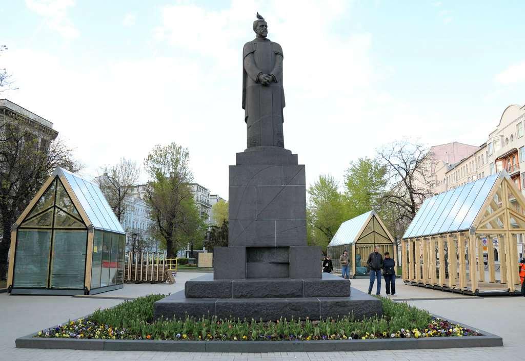 Памятник Клименту Тимирязеву