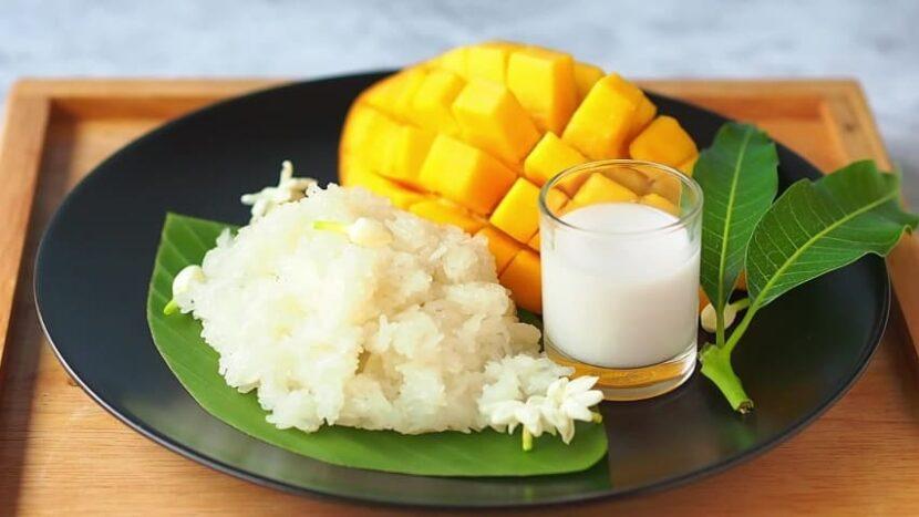 Као в настоящее время Ма Муанг (манго с клейким рисом)