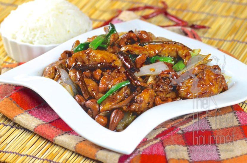 Gai pad med ma muang (жареная курица с орехами кешью)