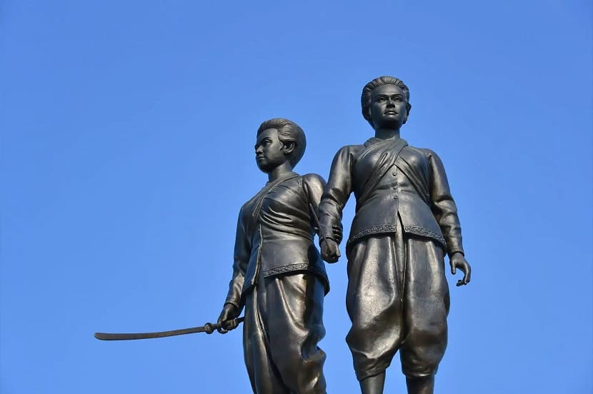 Monument to the heroines of Phuket