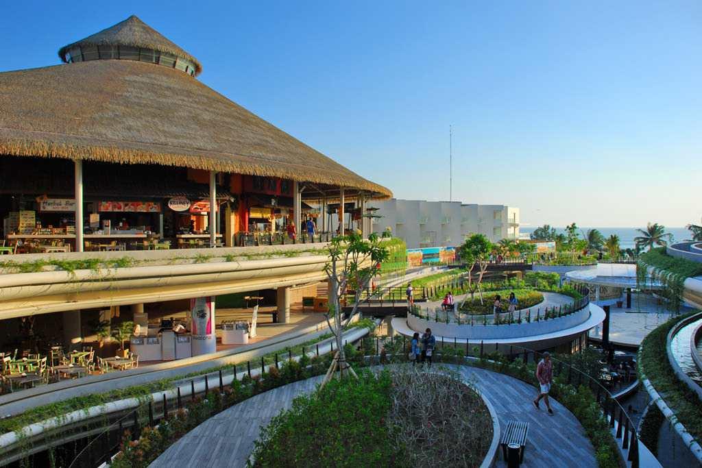 Beach Walk Mall