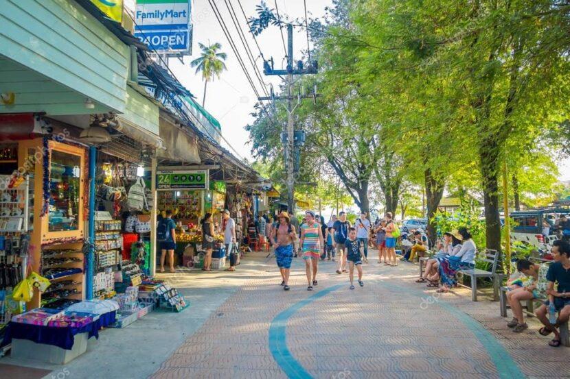 Пешеходная улица Каталонии в Ао Нанге