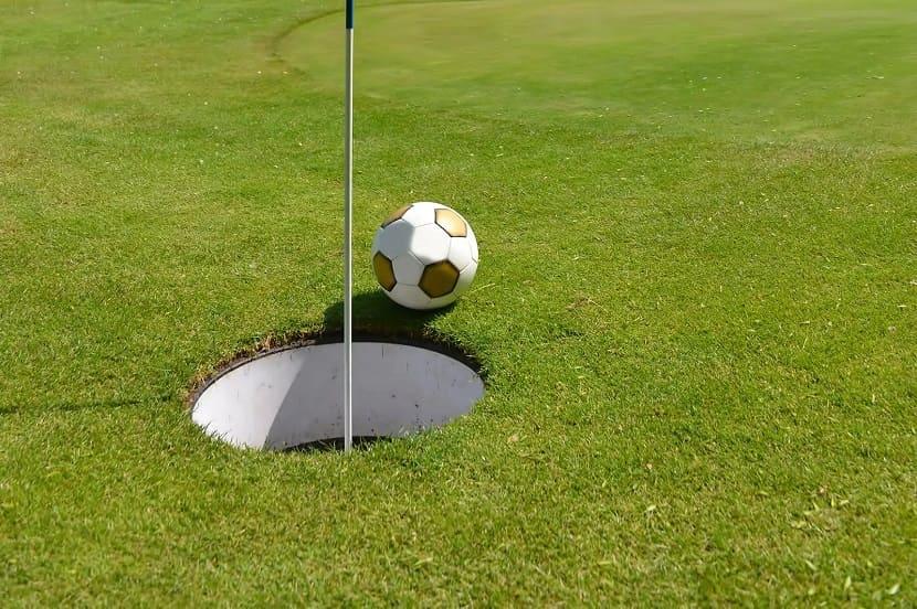 Сумасшедший футбол-гольф