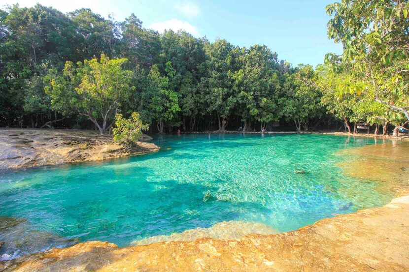 Изумрудный бассейн